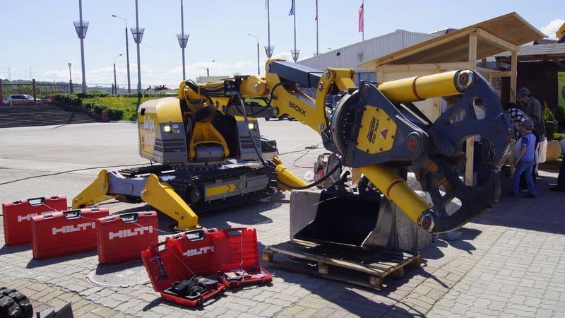 Уникальный демонтажный робот фирмы Brokk представлен ООО «БиПро 52» на Российском Архитектурно-строительном Форуме