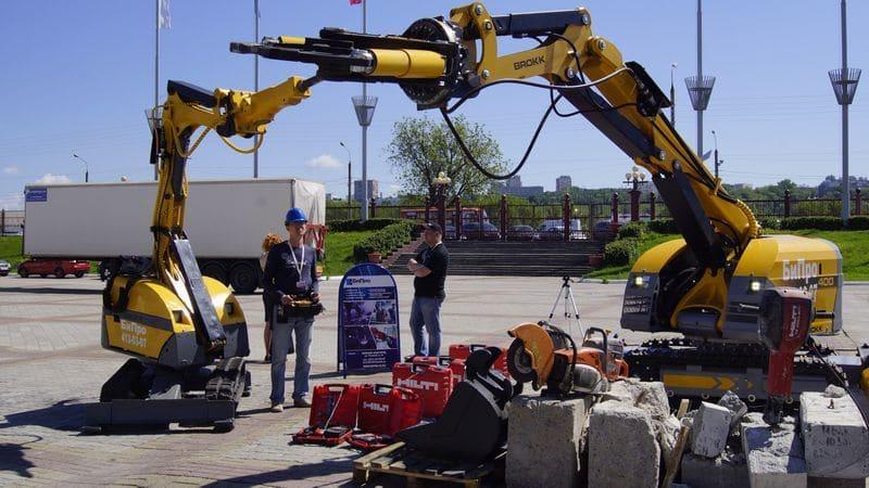 Уникальный демонтажный робот фирмы Brokk представлен ООО «БиПро 52» на Российском Архитектурно-строительном Форуме в Нижнем Новгороде. Фото